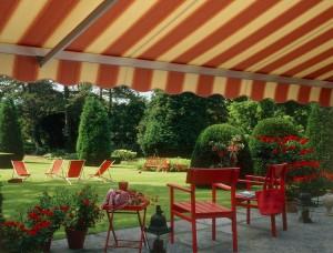 terraszonneschermen in alle uni kleuren en streepdoeken
