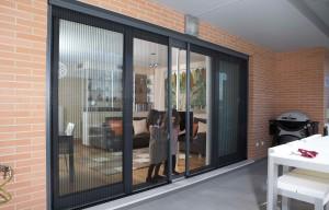 Dubbele plisseehordeur voor schuifpui,eendeur naar links een deur naar rechts schuifend en sluitend
